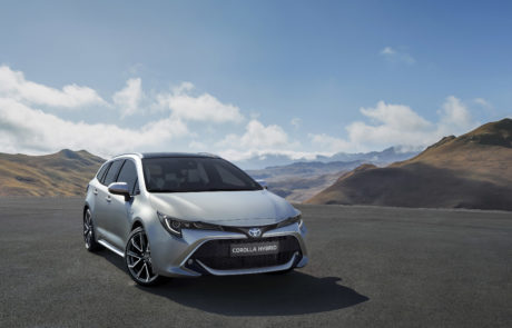 Ook bij Andreae in Zevenbergen-Toyota-Corolla-Touring-Sports