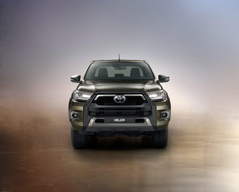 De-vernieuwde-Toyota-Hilux-onoverwinnelijk