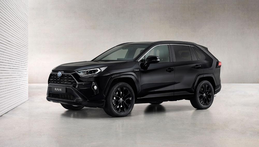 Toyota-RAV4-Hybrid-Black-Edition-stijlvol-zwart-voor-populaire-SUV