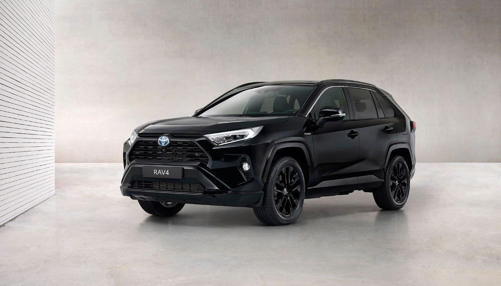 Toyota-RAV4-Hybrid-Black-Edition-stijlvol-zwart