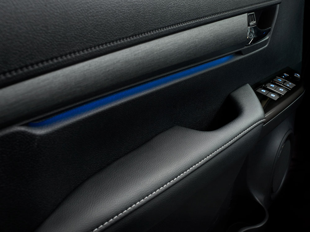 Toyota-Hilux-interieur-armsteun-deur